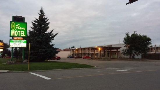 Plains Motel : outside