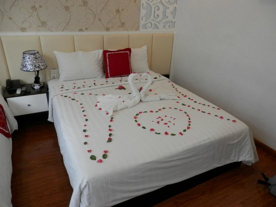 Hanoi Holiday Diamond Hotel: a new decoration every day