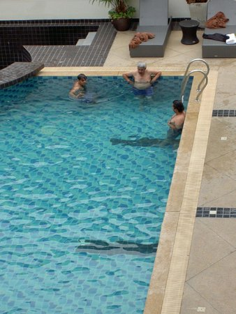 Hotel Selection Pattaya: Pool area.