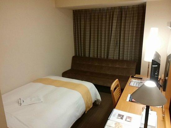ベッドとソファーベッドと机 - ...