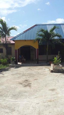 Super Palm Resort: Entrance