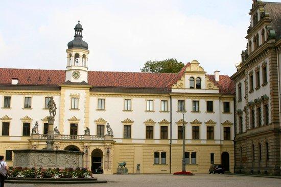 Schloss Thurn und Taxis: Thurn und Taxis