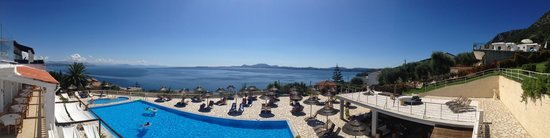 Pantokrator Hotel : View of the pool and sea