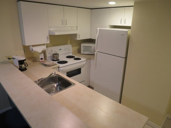 Candlewood Suites Montreal Centre-Ville : キッチン