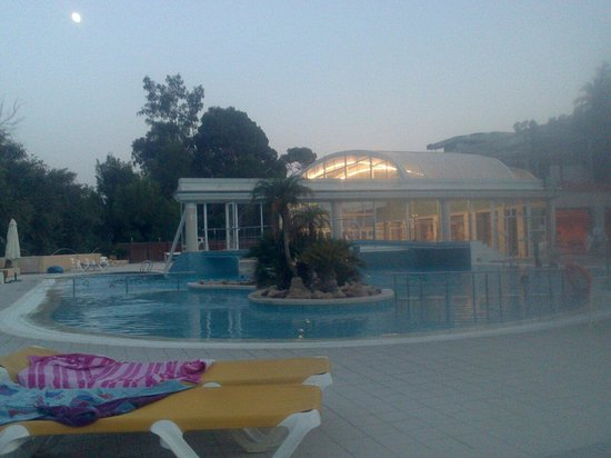 Foto de balneario de archena archena piscinas termalium for Piscina archena