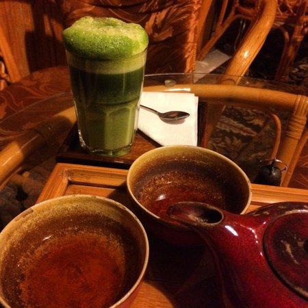 Assamica Tearoom : matcha latte and some assam tea
