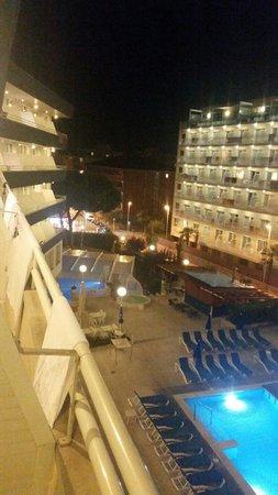Hotel GHT Aquarium & SPA: Vista del balcon