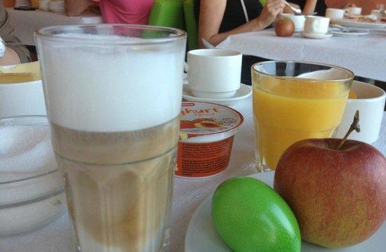 Hotel Swiss Star: Кофе лате-маккьято и другие вкуснышки