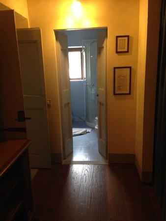 La Sorgente di Francesca: Entrance in the small bath