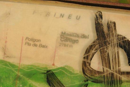 Volcán de MontsAcopa: Letrero en la torre Montsacopa