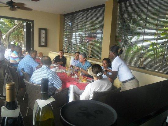 Deep Blue Restaurant : Ex President Alvaro Uribe