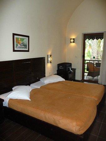 Hotel Paradis Palace: Terrasse privative du bungalow