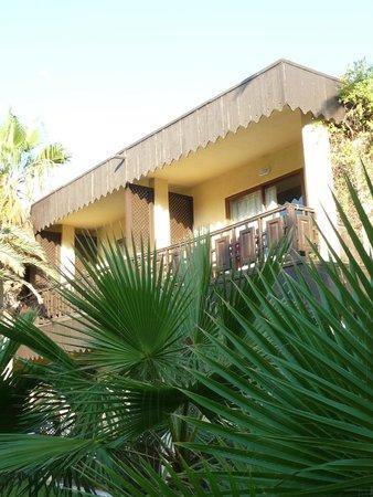 Hotel Paradis Palace: Vue du'un bungalow au 1er étage