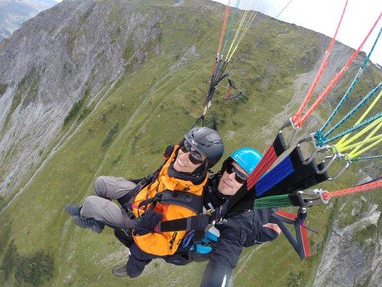 Joyride Paragliding: Rahel im Glück