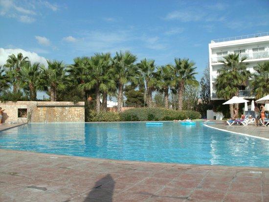azuLine Hotel Bergantin: Pool