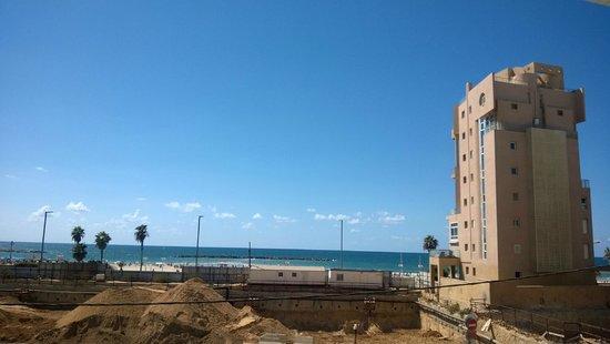 Hotel De La Mer: вид из окна