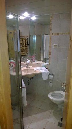 Hotel de la Mer : ванна