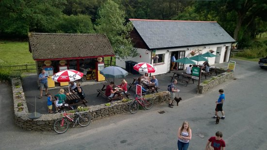 Withypool Tea Rooms: Plenty of out side seating
