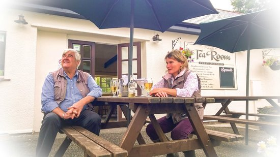Withypool Tea Rooms: Locals enjoying a spot of lunch with wine