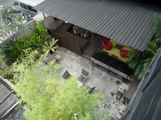 Batik Boutique Hotel: Courtyard