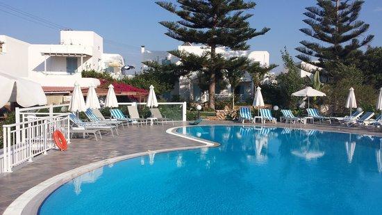 Birikos Studios: Pool area