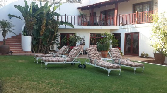 The Oasis Boutique Hotel : view outside