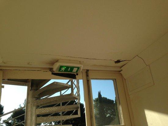 Сен-Сир-сюр-Мер, Франция: Renovierungsbedarf wohin man schaute