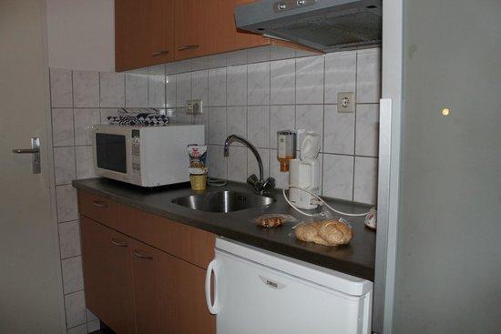 Art Hotel Rotterdam: Мини-кухня