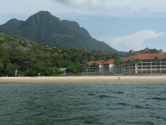 Damai Puri Resort & Spa: View of resort with Mt Santubong behind