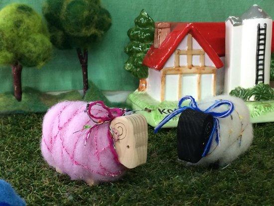 Koiwai Farm : ウール館で作ったまきまき羊(小学校低学年から出来ます)