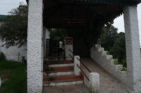 Mountain Trail Resort: Enrance