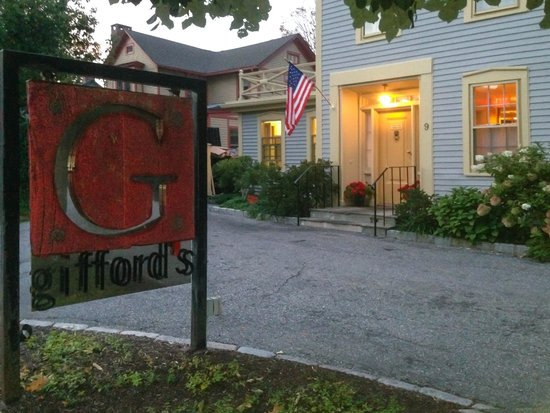 Gifford's: an elegant place right in town.