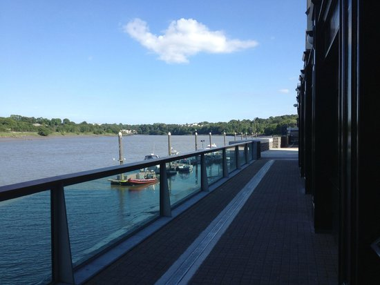 Waterford Marina Hotel: Watch the Clouds Go By