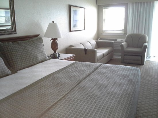 Surf Side Hotel : Bed, Sofa and Chair