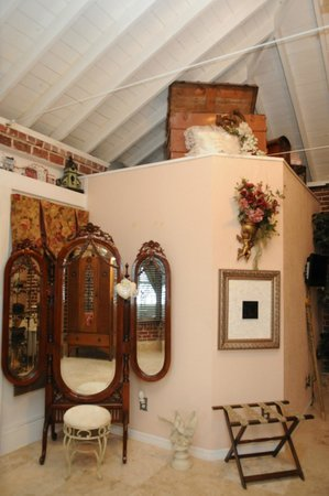 Town Manor Bed and Breakfast: Sasa suite