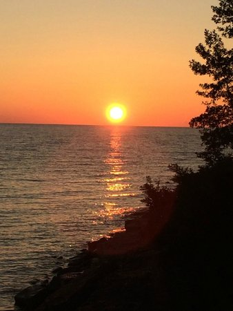 Town Manor Bed and Breakfast: Spectacular sunsets