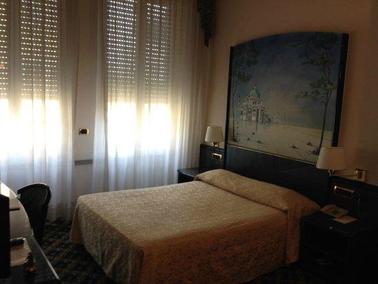 IH Hotels Milano Ambasciatori : Room