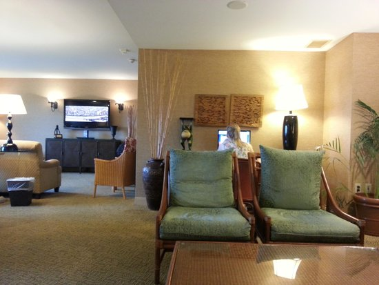 Club Room Picture Of Loews Royal Pacific Resort At Universal