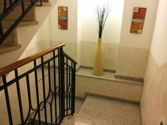 Hotel Brenta Milano: Scale ed arredamenti