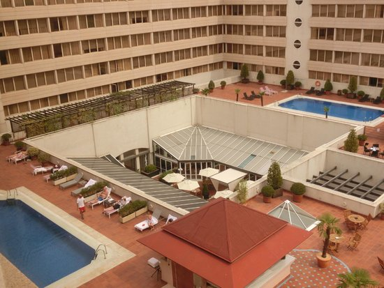 Swimming pool picture of pullman madrid airport feria - Hotels in madrid spain with swimming pool ...