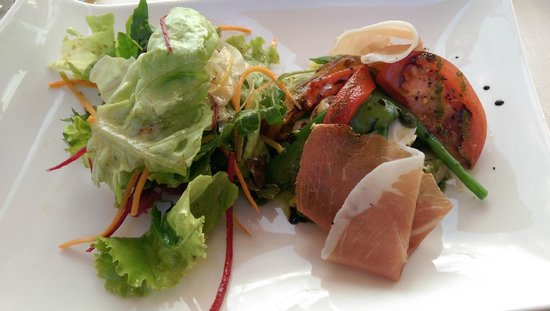 L'Olivier: Salad from their garden with fresh and grilled vegetables, ricotta mousse and cured ham