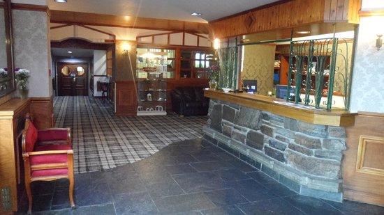 Dark Island Hotel: reception area