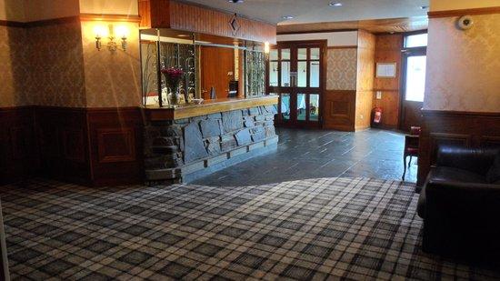 Dark Island Hotel: reception