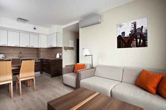 Salon w apartamencie 2 pokojowym.