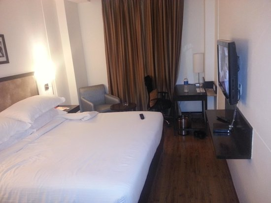 Four Points by Sheraton Vadodra: my room