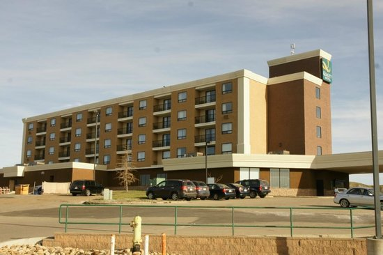 Quality Hotel Drumheller: The Hotel