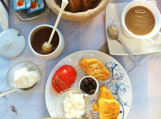 Hotel Glaros : Cretan breakfast
