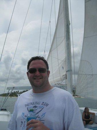 Marinarium Excursions - Sunny Day Sailing Cruise : On the catamaran