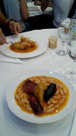 Covadonga: Fabada y rollitos de carne y gambas