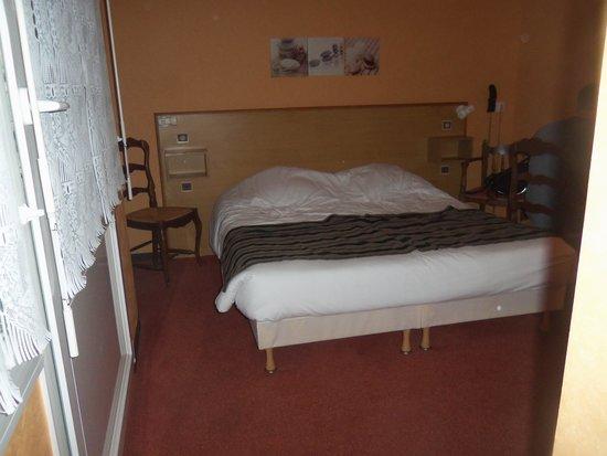 Hotel-Restaurant de Tesse : le lit